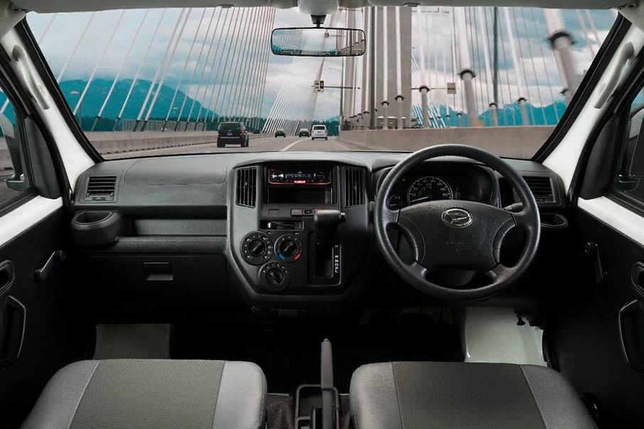 New Daihatsu Euro 4 Gran Max Interior Design