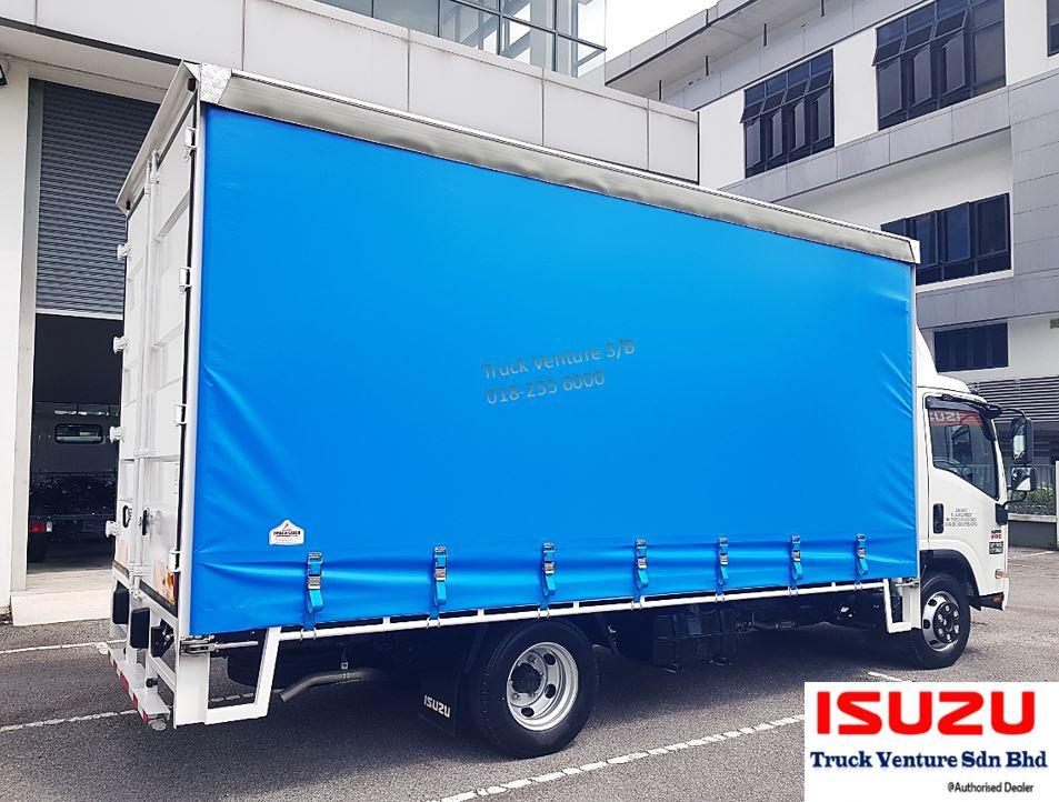 Curtain Sider Lorry, with plain blue curtain