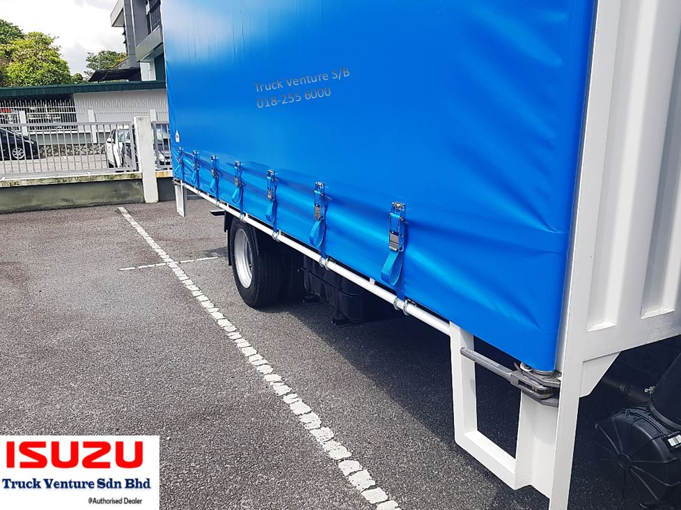 Curtain Sider, with buckles