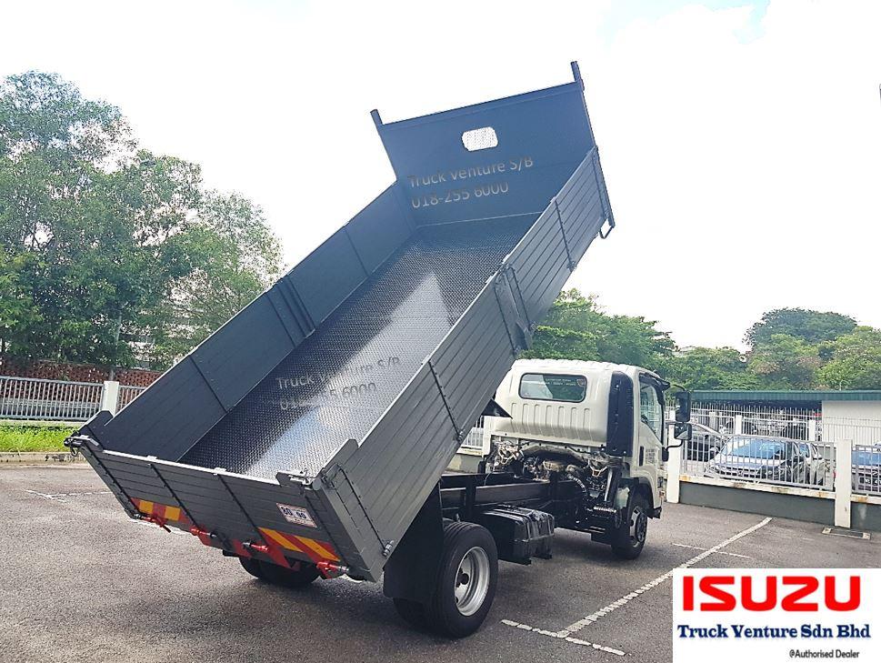 Isuzu Dealer Lorry Tipper Display