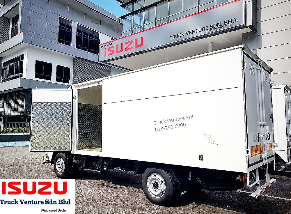 New Lorry with One Side Door Opened for Display