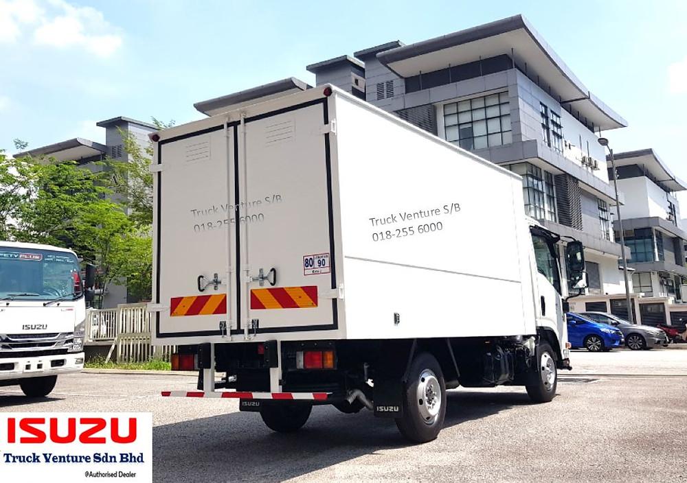 Isuzu Lorry Bonded 2 Ton