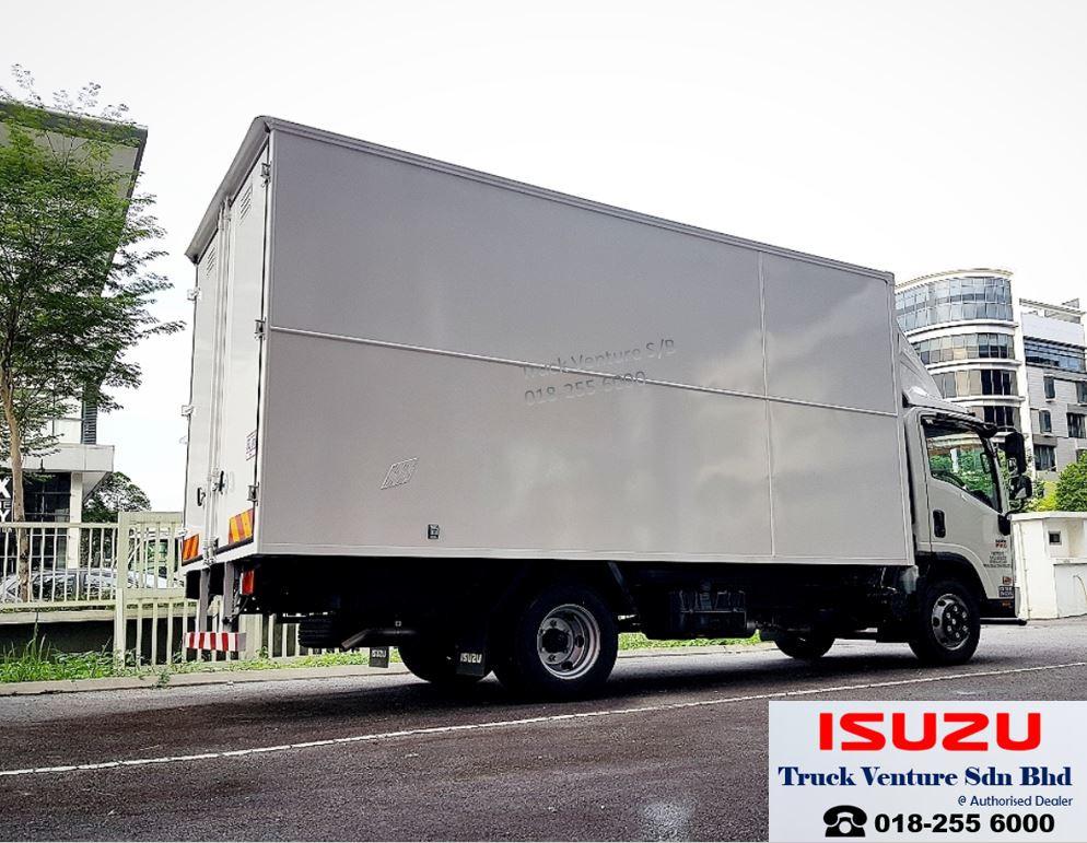 Isuzu Hino Fuso Lorry