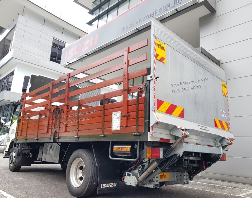 New Lorry with Wooden Cargo Body and Hyva Tail Lift Displayed for Sale