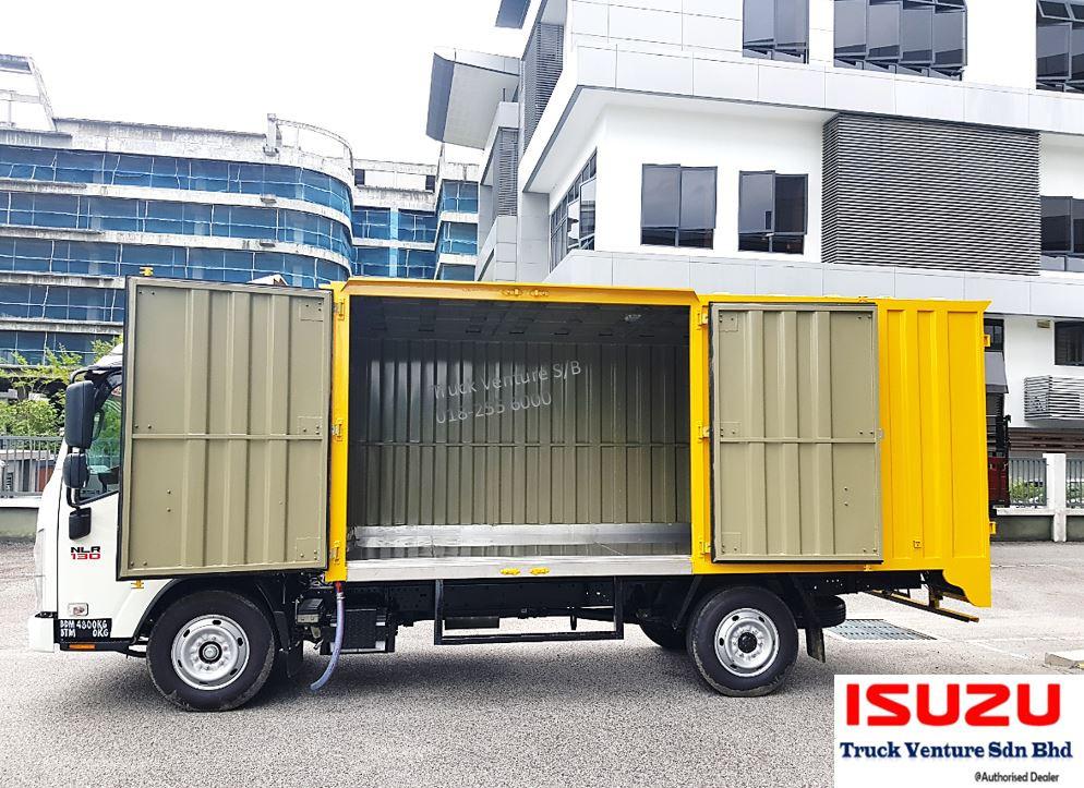 Isuzu Lorry Container Box Interior Display