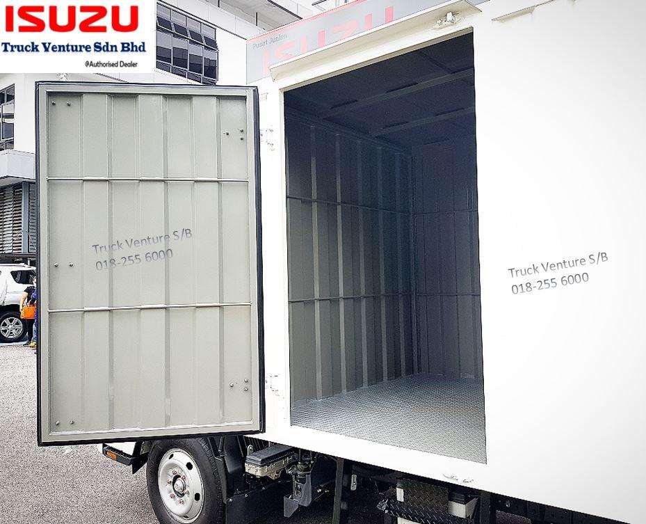 Corrugated Steel Box / Kotak Besi installed on new lorry Isuzu, with 1 Side Door opened