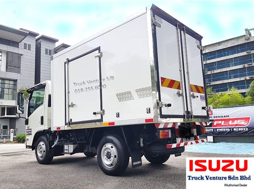 Isuzu Bonded Lorry
