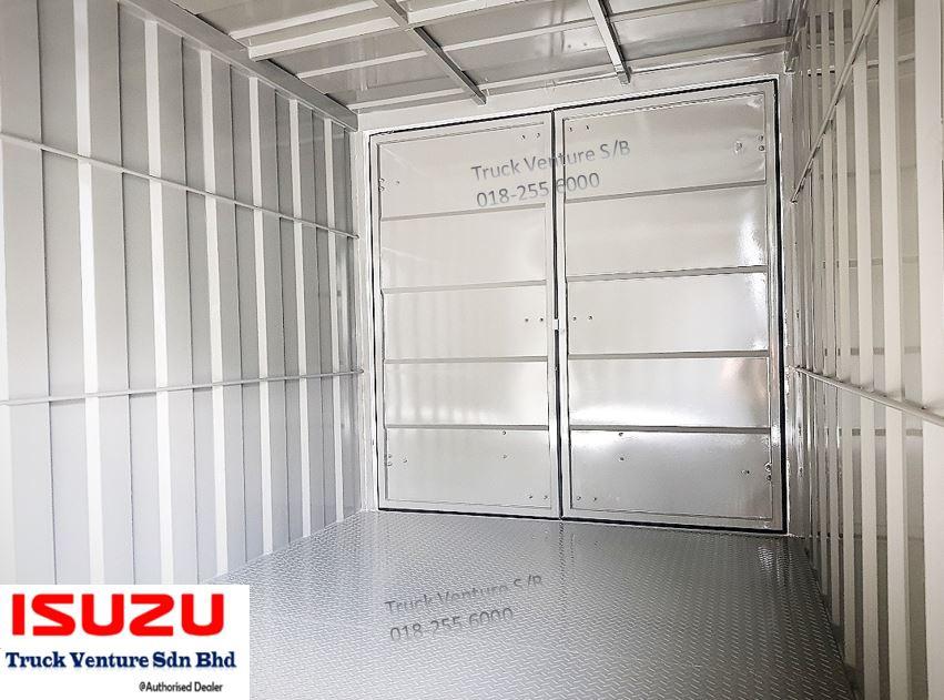 Tough Steel Interior Isuzu Lorry
