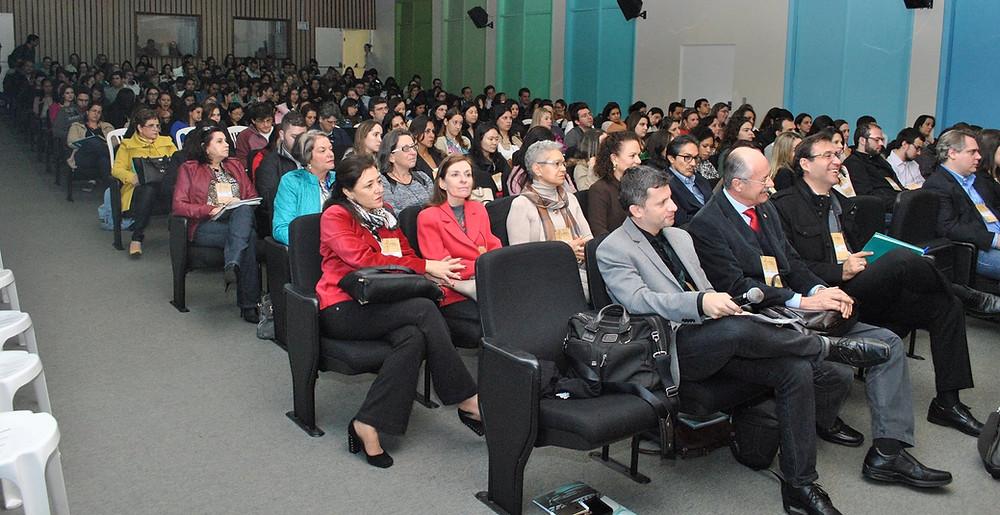 Alexandre Naime Barbosa Caipirão UNESP Infectologia 01