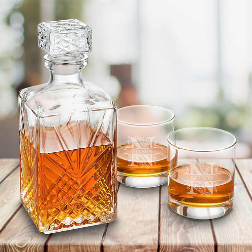 Personalized Square Whiskey Decanter Set With Stopper and 2  Rocks Glasses