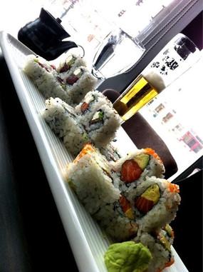 sushi rolls2.jpg