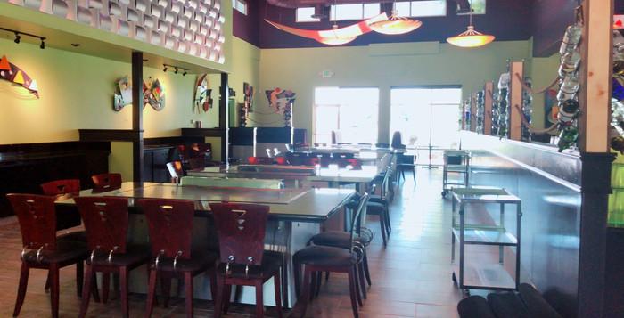 masa hibachi sushi dining room.jpg