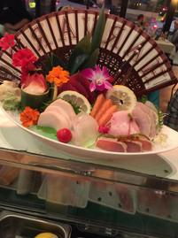 sashimi deluxe2.jpeg