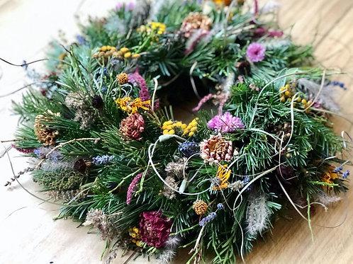 Winterlicher Blumenkranz