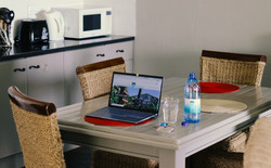 Sandpiper Room - Kitchen Intimate 2