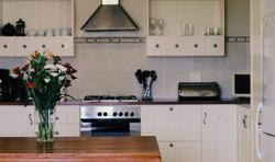 Beach Cottage - Intimate Kitchen 2