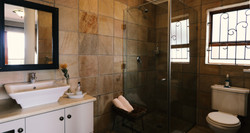 Sea Shell Room - Overview Bathroom 1