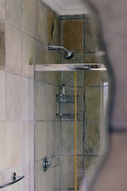Coral Room - Intimate Bathroom 2