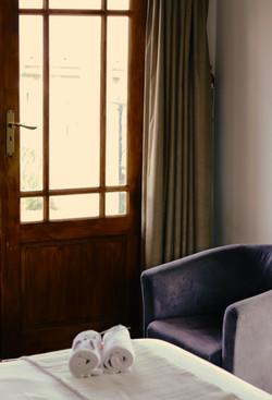 Olive Room - Intimate Bedroom 7