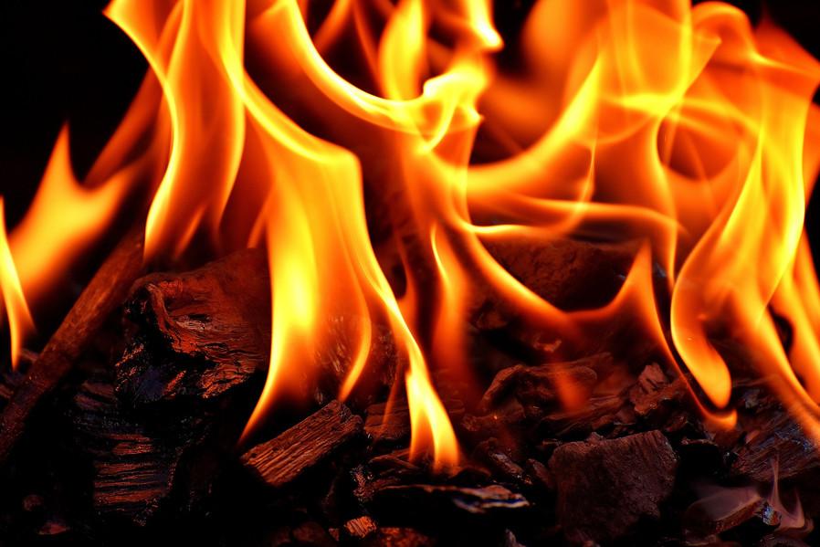 fire-2369107_1920.jpg