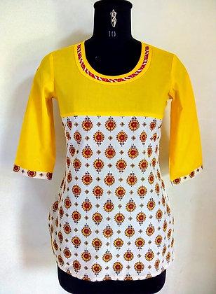YellowAndCream Printed Cotton Kurti