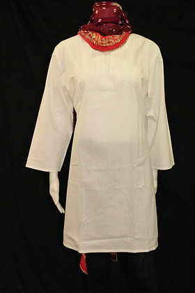 White cotton kurti w/ 3/4 sleeve