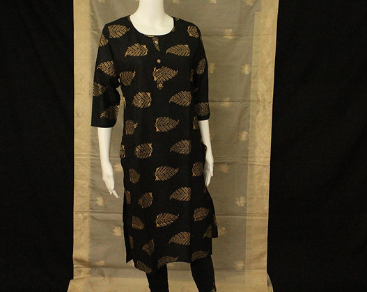 Black cotton kurti w/ 3/4 sleeve