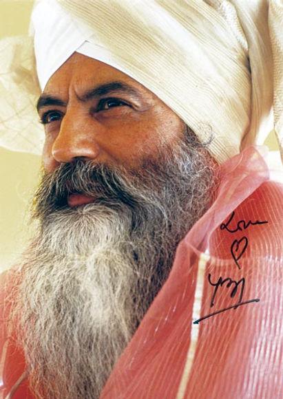 Yogi-Bhajan-Love.jpg