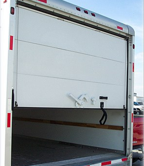 4 WAYS TO INCREASE THE LIFESPAN OF YOUR COMMERCIAL TRAILER'S ROLL-UP DOOR