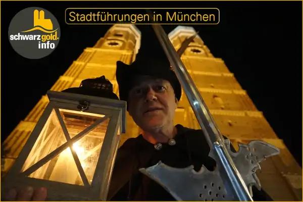 Nachtwächter Stadtführung München - vor der Frauenkirch