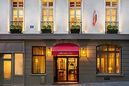 1-facade hotel saint paul.jpg