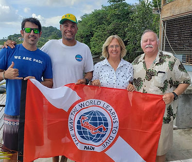 PADI Examiner and Reef sponsors