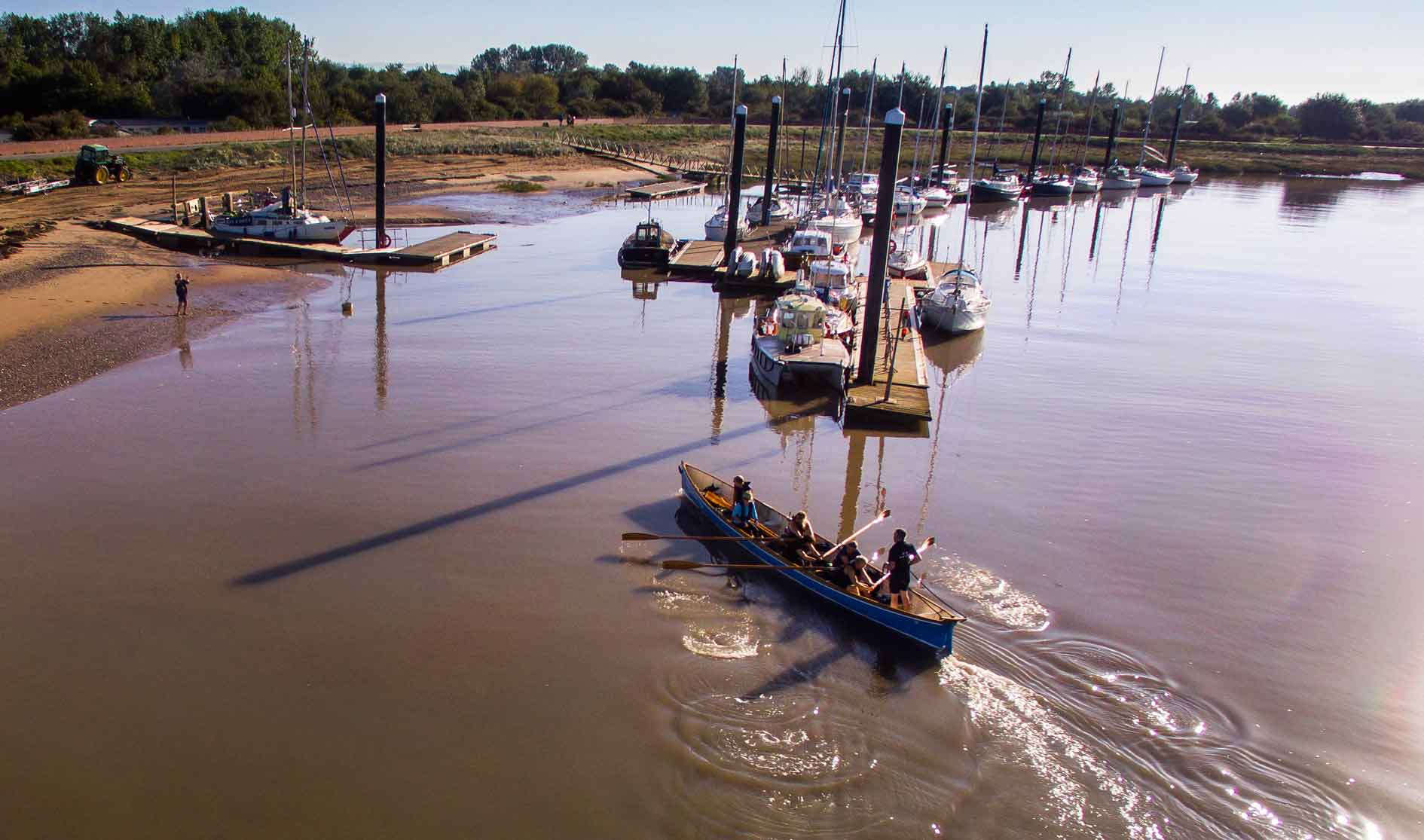 Approaching-our-pontoons-