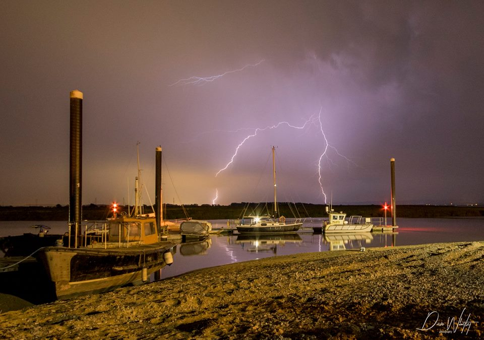Lightning_Over_Pontoons_2