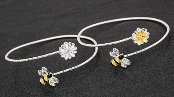 BEE AND FLOWER BANGLE - HAND PAINTED