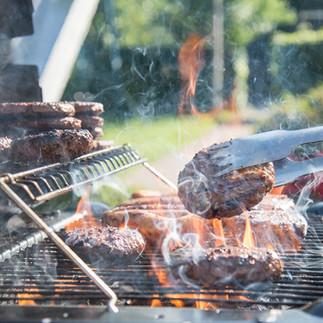 barbecue-3419713_1920.jpg