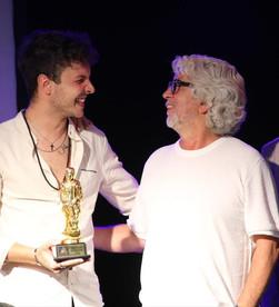 Andrea Santelli vince la sesta edizione del Premio Musicale Internazionale Je So Pazzo