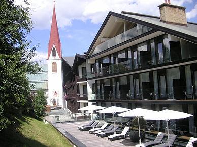 Alpenhotel Fall in Love.jpg