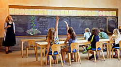 Prairie-Moon-Primary-Class-with-teacher.