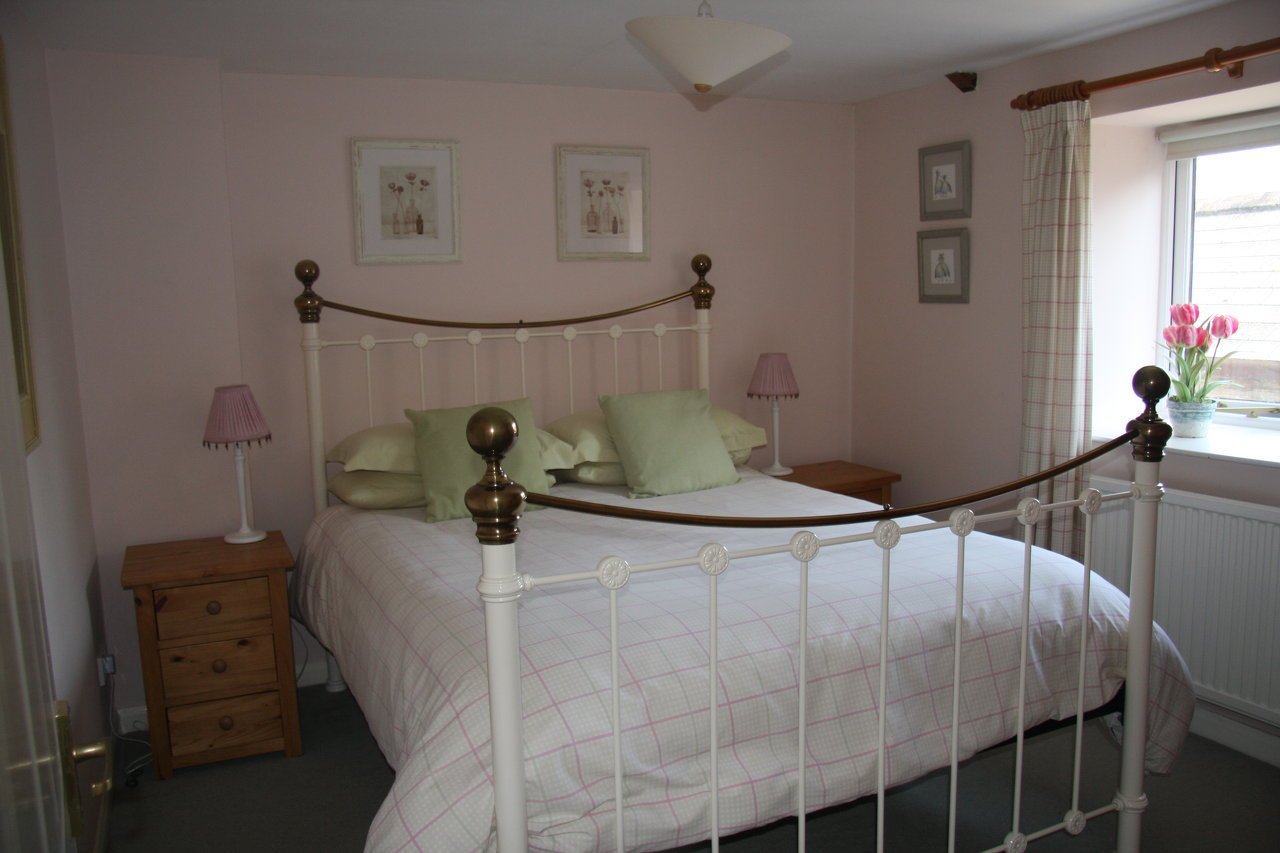 Double Room with Double 5' Bed