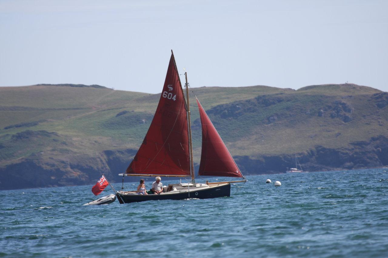 Sailing in Bigbury Bay