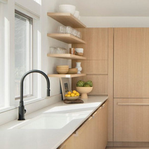 7 Natural wood kitchens and 5 tips you should know when designing your dream kitchen