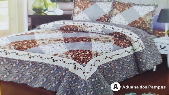 Cobreleito 3 peças em 100% algodão.