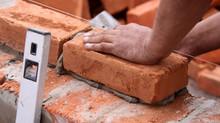 Sobre a mão de obra na construção civil