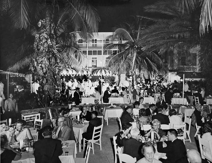 BUENA VISTA patio dining 1950's RGL.jpg