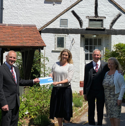 Wymering Manor Trust receives cash donation from South East Hampshire Masons Festive Board!