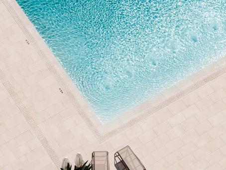Ceramicas Mayor. Todo pasa su piscina y terraza.