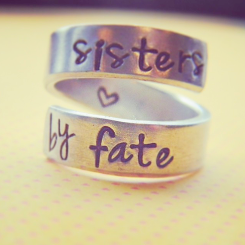BAGUE - Sisters by fate