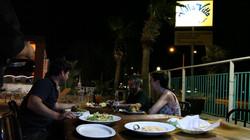 Cena en alberca