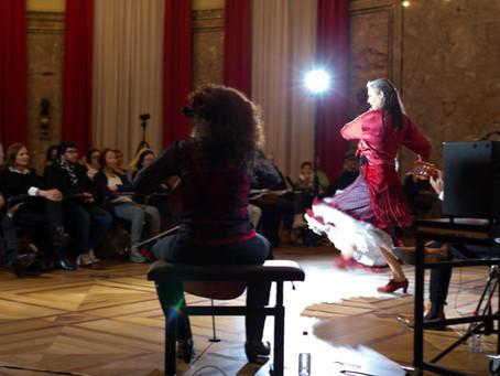 Nina Corti präsentiert den Flamenco